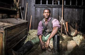 Malachi Kirby as Kunta Kinte in Roots