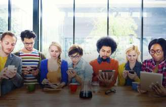 People using social media to encourage others - Guideposts