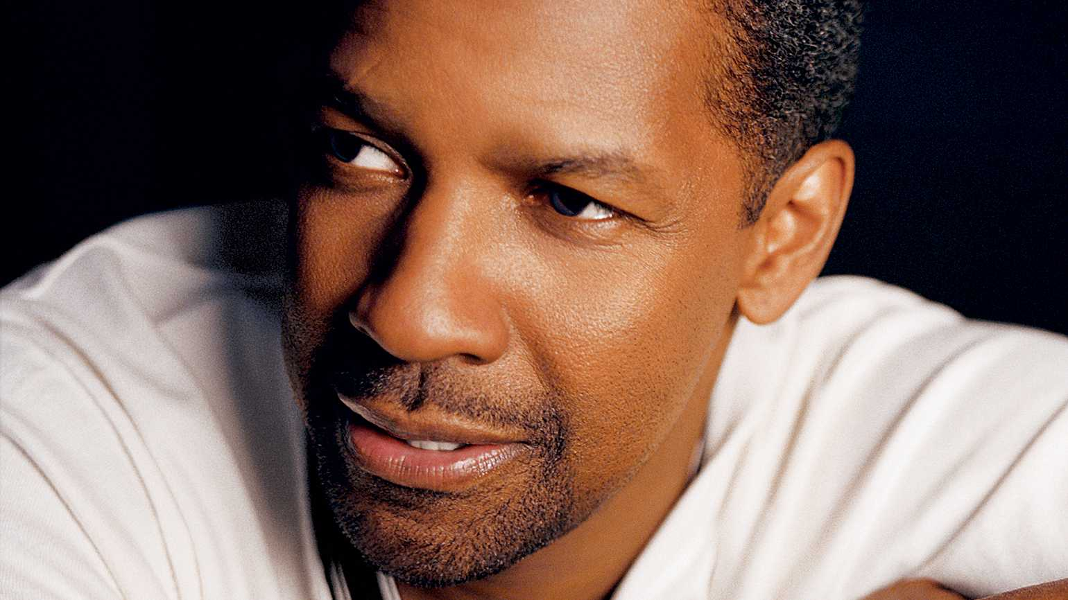 Denzel Washington, an actor of intricate parts, emerges as a favorite for  the Oscar