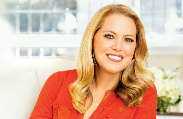 Photo of Melissa d'Arabian as she shares food tips from her cookbook