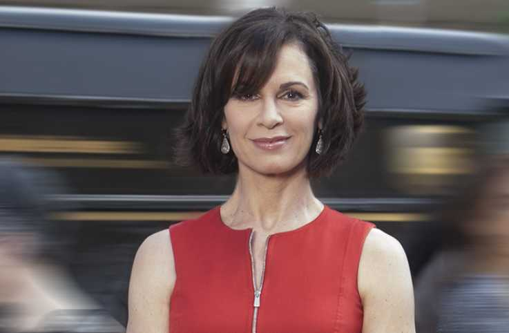Elizabeth Vargas, anchor for ABC's 20/20, shares her story of overcoming anxiety and addition in the October 2016 issue of Guideposts
