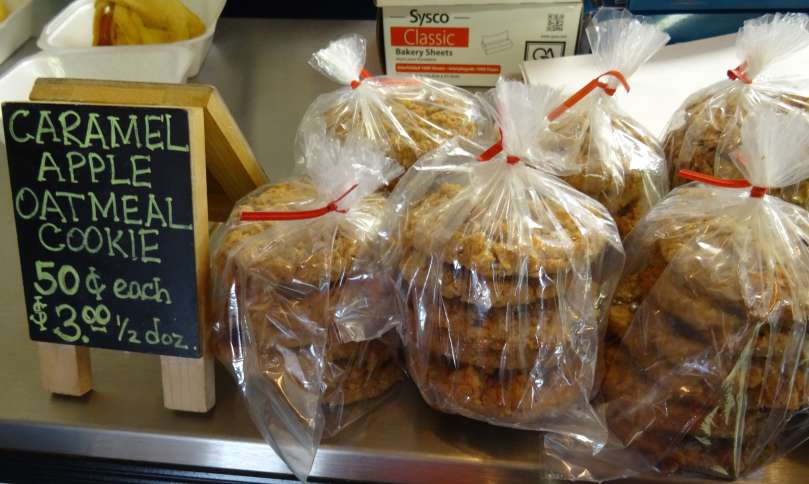 The bakery featured all kinds of delicious apple cookies.