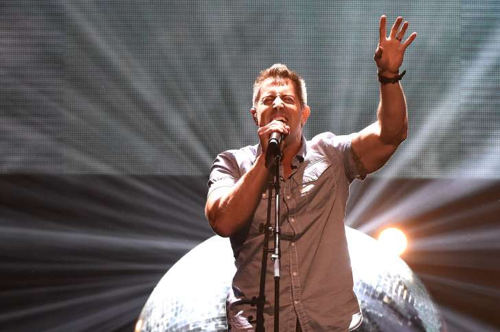 """Jeremy Camp performs his single """"He Knows"""" at the K LOVE Fan Awards"""