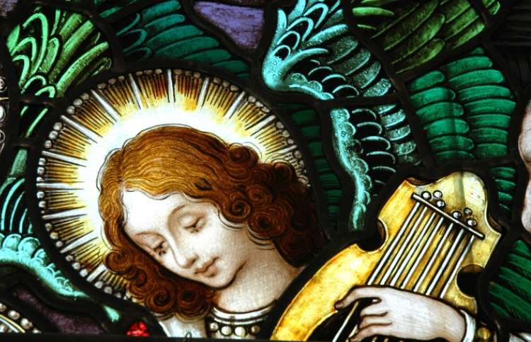 angel playing an instrument