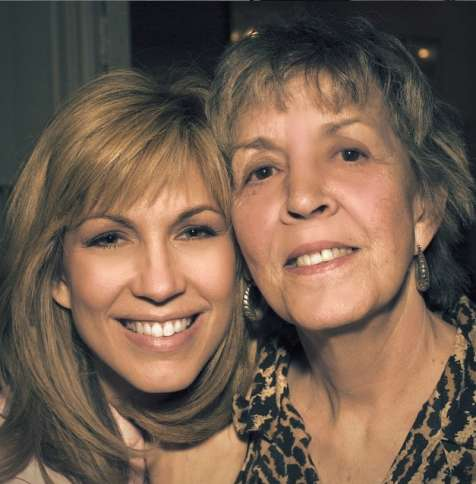 Leeza Gibbons and her mother -- Guideposts