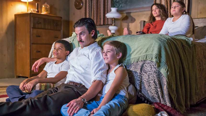 "Mandy Moore and Milo Ventimiglia in ""This Is Us"""