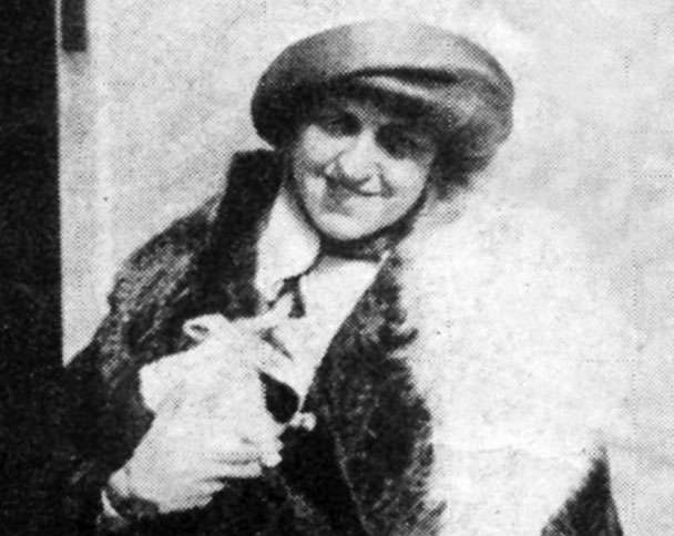 Guideposts: A picture of Edith with her pig