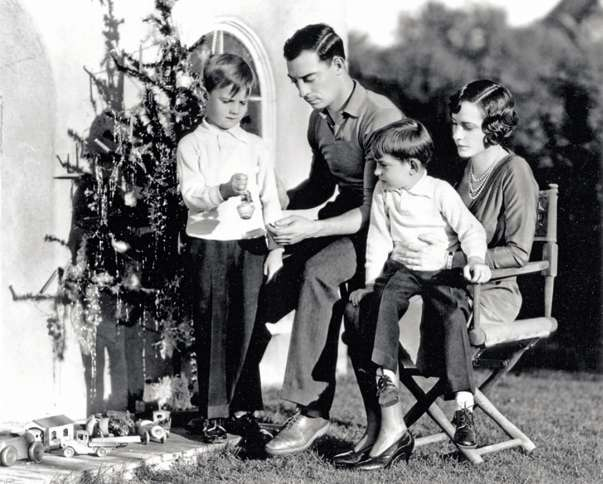 Guideposts: Buster Keaton helps his family decorate the Christmas tree