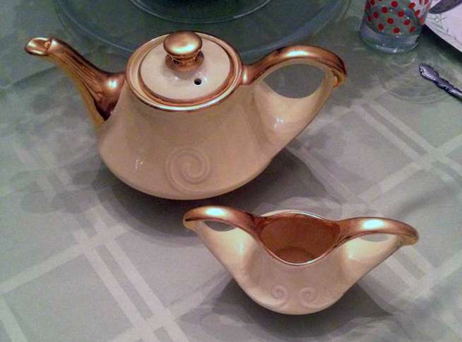 Reader Cindy Ward Roberts shares a photograph of her beautiful teapot from the Pearl china Company.