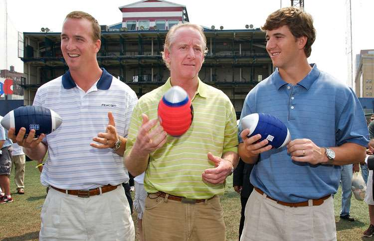 Guideposts: The Manning brothers, Peyton (left) and Eli (right), pose with their father, Archie (center)