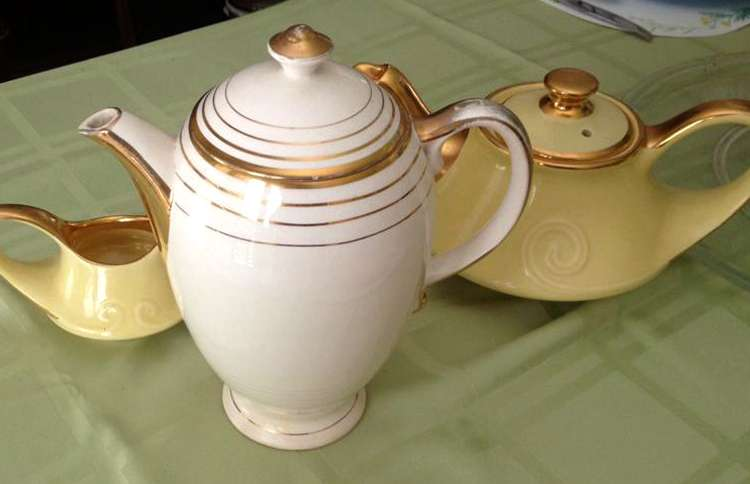 Reader Cindy Ward Roberts shared this shot of her lovely teapot with us