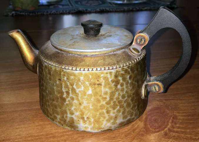 Reader Diane Gullet shares a photograph of her grandfather's teapot