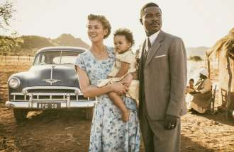 "David Oyelowo and Rosamund Pike in ""A United Kingdom"""