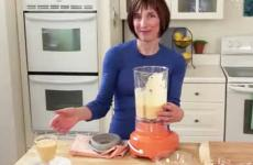 Breakfast recipes: Rebecca Katz makes a fruit smoothie